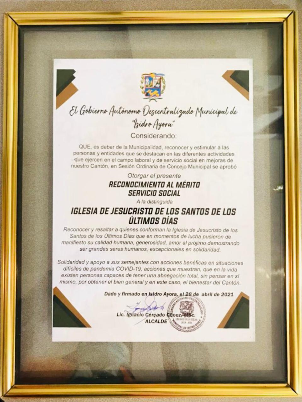 Reconocimiento-Isidro-Ayora-1